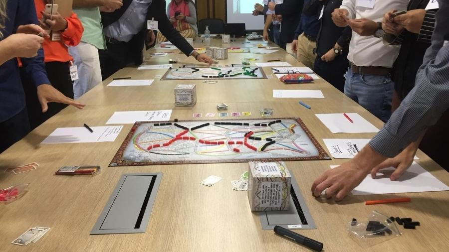 """Candidatos a trainee jogam """"Ticket To Ride"""" no processo seletivo de empresa multinacional - Elves Costa/Simple (Divulgação)"""