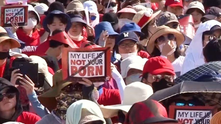 Mulheres se manifestam contra a propagação da pornografia não consensual na Coreia do Sul - Reprodução/Youtube/Human Rights Watch
