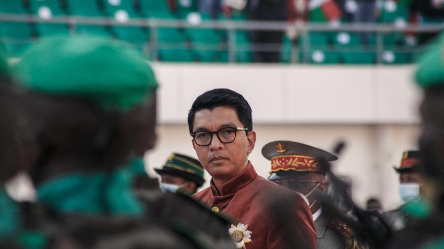 26.jun.2021 - O presidente de Madagascar Andry Rajoelina; país sofreu muitas crises políticas nos últimos 20 anos - Rijasolo/AFP