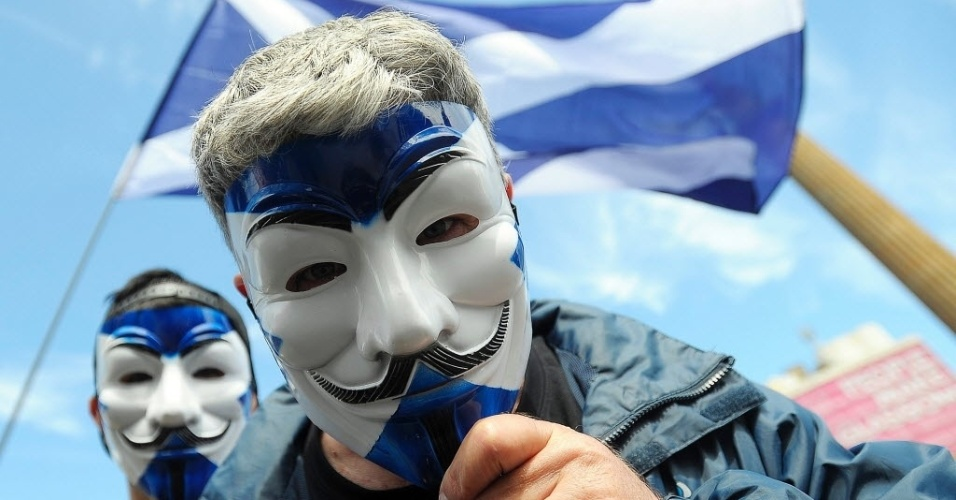 30.jul.2016 - Milhares de pessoas marcharam em Glasgow para exigir um segundo referendo sobre a independência da Escócia, depois da decisão dos britânicos de abandonar a União Europeia (UE). No referendo de 23 de junho, 62% dos escoceses votaram a favor de prosseguir na UE, diferentemente da Inglaterra e de Gales, onde a opção pela saída venceu. Em setembro de 2014, em uma primeira consulta pela independência, os escoceses votaram em 55,3% a favor de permanecer no Reino Unido