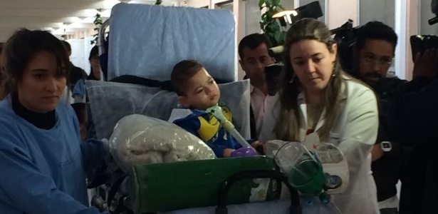 Luiz Miguel, o Mig, deixa hospital em Campinas (SP)