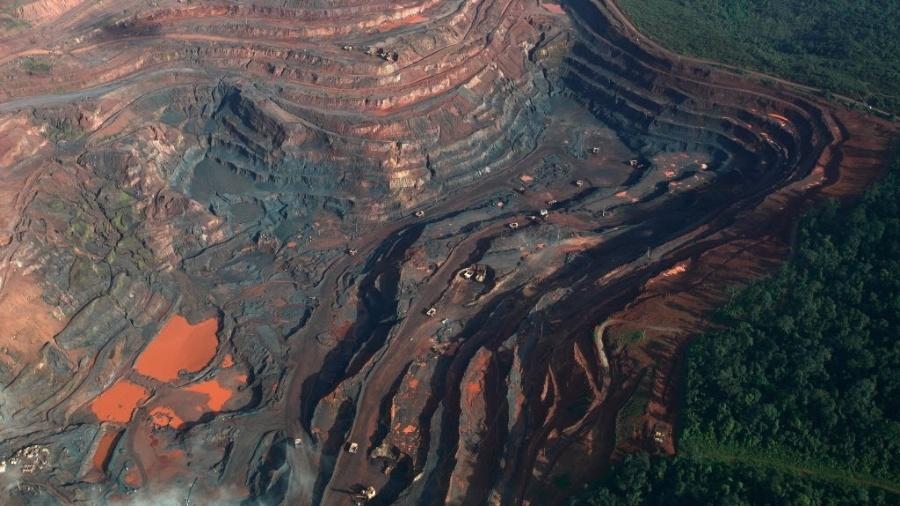 Extração de minério de ferro nas minas de Carajás, no Pará - Rodrigo Baleia/Folhapress