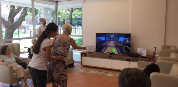 Campeonato de boliche virtual em residência para idosos teve supervisão de alunos de gerontologia da USP - Divulgação