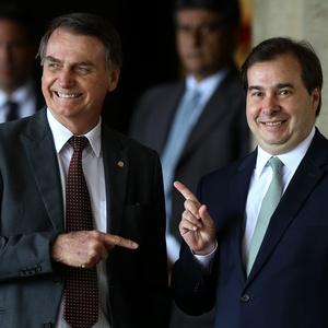 Jair Bolsonaro (PSL) com Rodrigo Maia (DEM-RJ)
