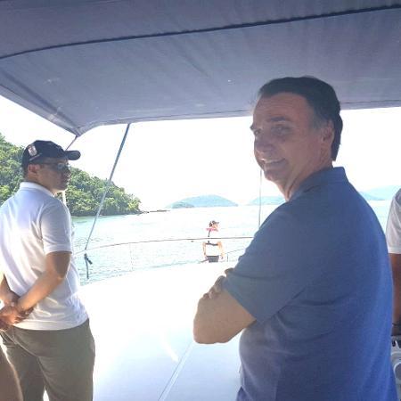Publicação foi feita enquanto Bolsonaro descansa em Marambaia, no Rio - Divulgação