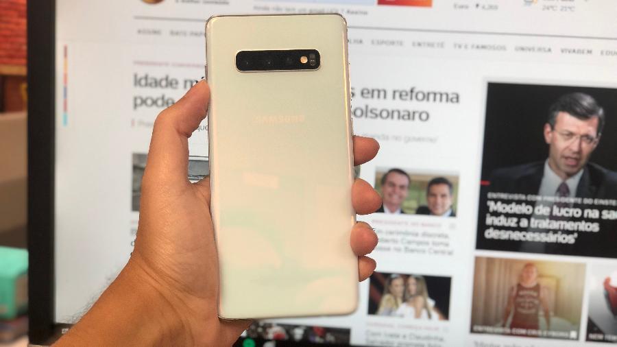 Novo Galaxy S10 é um dos melhores celulares no mercado - Gabriel Francisco Ribeiro/UOL
