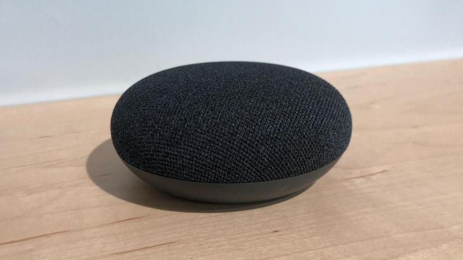 Google Nest Mini (antigo Google Home) é a caixinha de som inteligente do Google - Gabriel Francisco Ribeiro/UOL