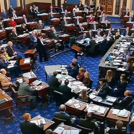 Plenário do Senado dos EUA durante julgamento de impeachment do presidente Donald Trump - Handout .