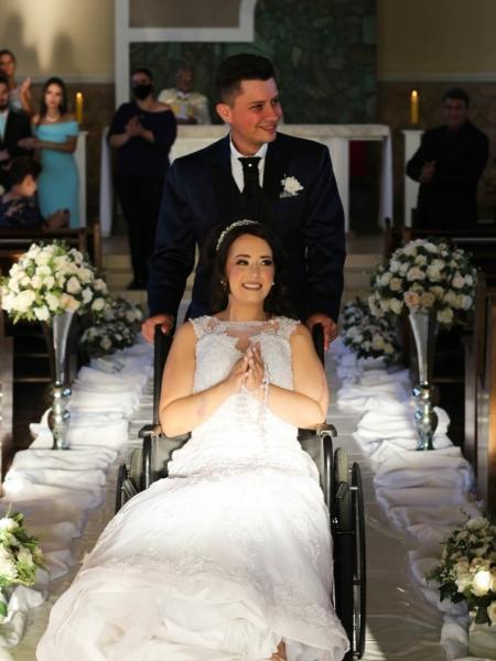 Adarlele e Ruan casaram em 16 de fevereiro, em União da Vitória - Divulgação/Kátia Luz Fotografia