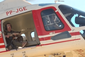 'Indo aí te pegar', diz deputada federal com arma em helicóptero a Lázaro