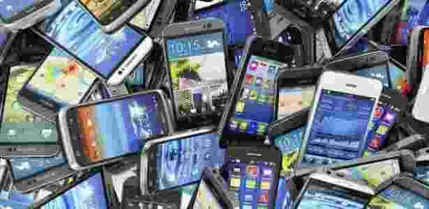 Anatel adianta bloqueio de celulares irregulares no Rio e atrasa em SP - Thinkstock