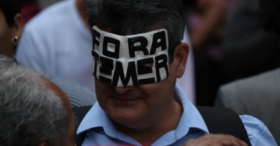 Manifestantes reúnem-se no Centro do Rio para protestar contra Michel Temer. O ponto de concentração foi na Igreja da Candelária.