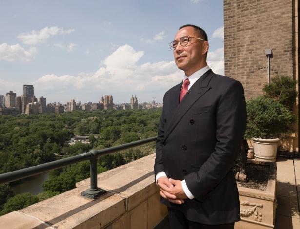 Guo Wengui, um bilionário chinês, no terraço de seu apartamento em Manhattan