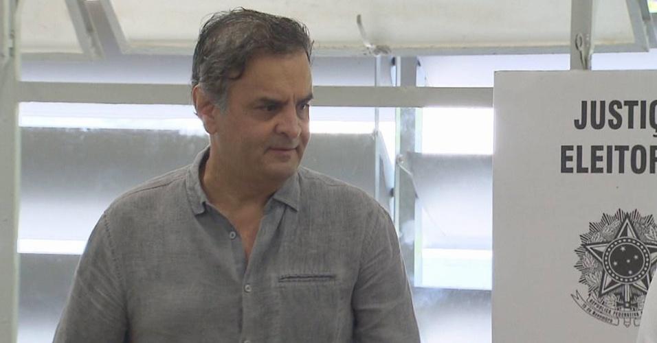 Senador Aécio Neves (PSDB), que foi eleito deputado federal, votou durante a manhã em BH