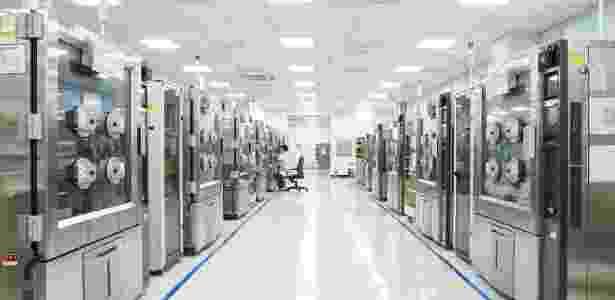 """Diversas máquinas ficam lado a lado """"torturando"""" celulares - Divulgação - Divulgação"""