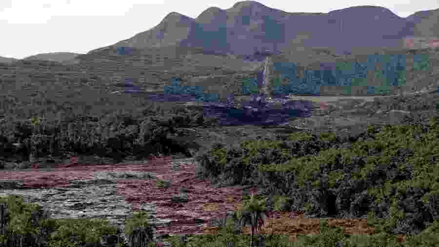 Ao fundo, a barragem 6 do complexo da mina do Córrego do Feijão - Pedro Ladeira/Folhapress