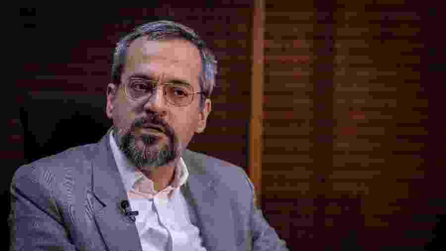 O ministro da Educação Abraham Weintraub, durante entrevista exclusiva ao UOL, em seu gabinete em Brasília - Kleyton Amorim/UOL