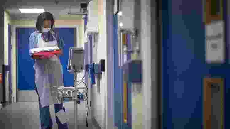 Cerca 30% dos pacientes que tiveram doenças graves em surtos de doenças infecciosas tiveram TEPT - Getty Images - Getty Images