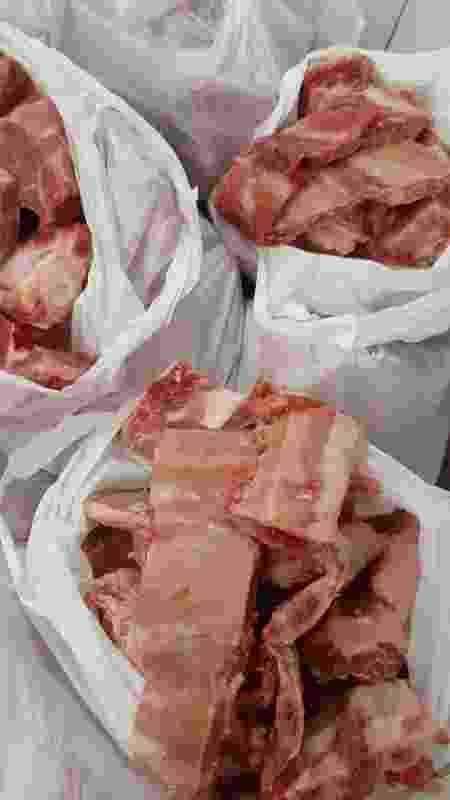 Restos de ossos doados pelo açougue Atacadão da Carne, de Cuiabá - Reprodução - Reprodução