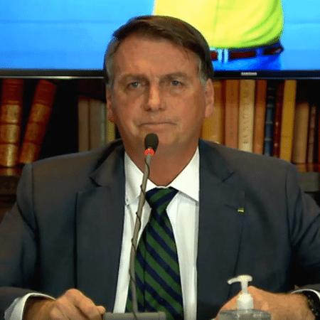 Jair Bolsonaro na live de ontem: propaganda do governo e muxoxos de autocomiseração - Reprodução
