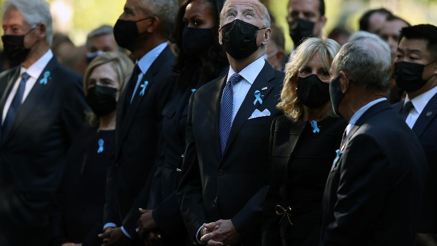 11.set.2021 - Participam da cerimônia o presidente, Joe Biden, e os ex-presidentes Barack Obama e Bill Clinton - Chip Somodevilla/Getty Images/AFP