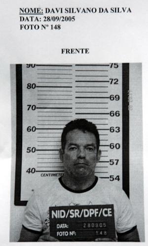 Reprodução da foto de Davi Silvano da Silva, um dos cinco homens presos em 2005 pela Polícia Federal com uma parte do dinheiro roubado do Banco Central, na unidade de Fortaleza (CE). O assalto aconteceu em agosto daquele ano, por meio de um túnel, por onde a quadrilha levou mais de R$ 160 milhões