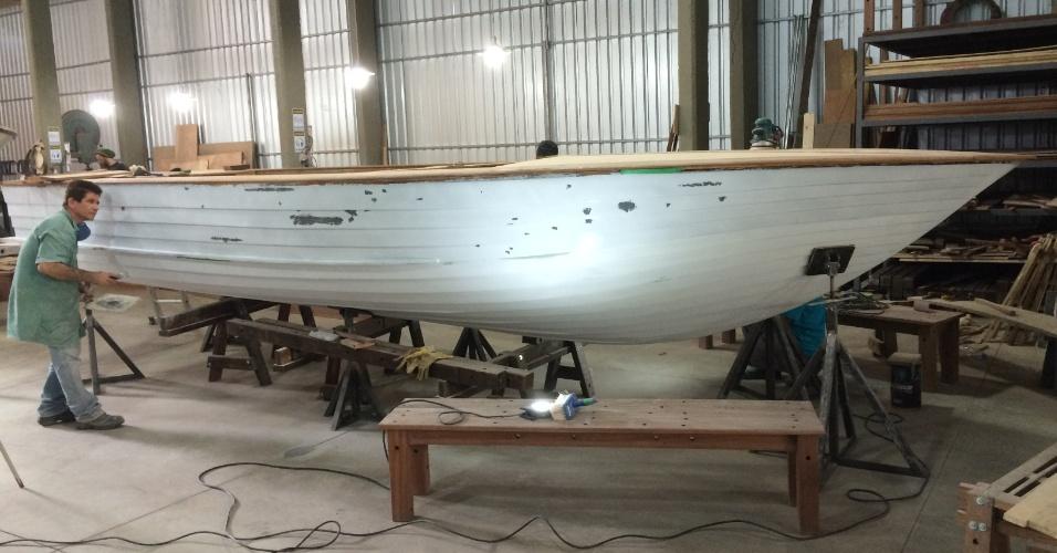 Lancha restaurada da empresa Vintage Boats