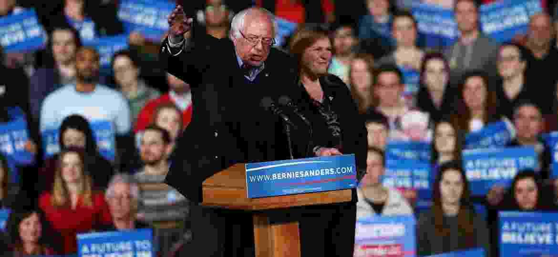 Bernie Sanders comemora vitória em Vermont na Superterça - Spencer Platt/Getty Images/AF