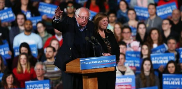 """Hillary venceu a Superterça, mas Sanders teve a """"super arrecadação"""" de fevereiro - Spencer Platt/Getty Images/AF"""