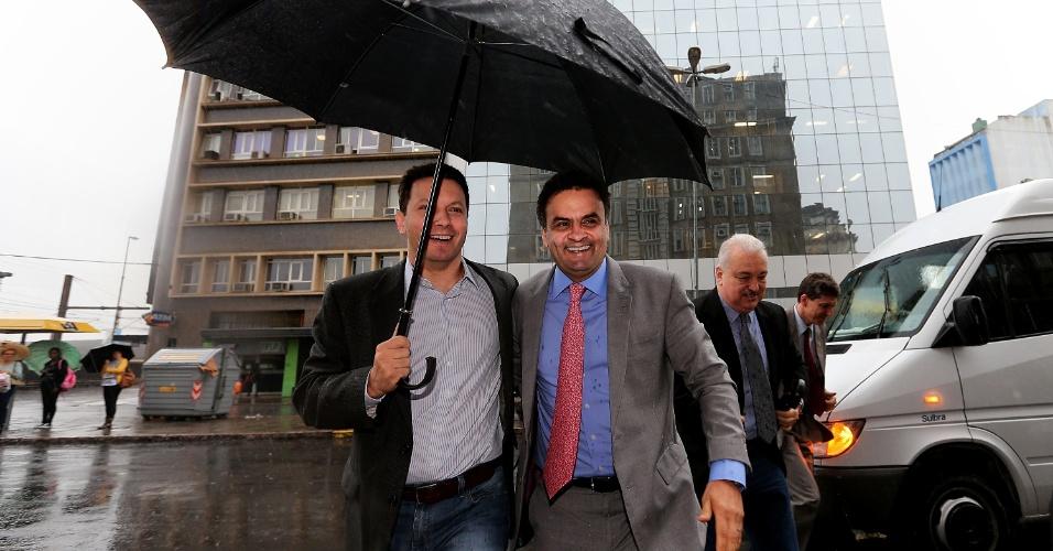 11.nov.2013 - Marchezan Júnior acompanha o senador Aécio Neves (PSDB-MG) em visita à sede da Federasul (Federação das Associações Comerciais e de Serviços do Rio Grande do Sul), em Porto Alegre. Aécio fez palestra a empresários gaúchos