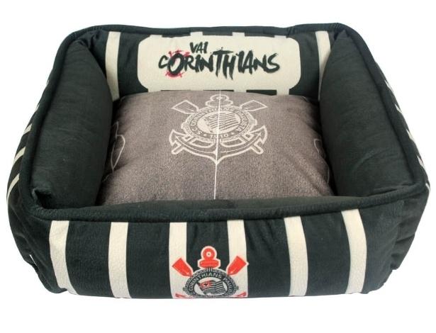 Cama oficial do Corinthians, da linha Torcida Pet, criada pelo site Pets na Moda