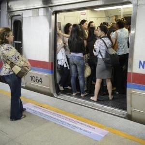 O metrô de Brasília conta com um vagão exclusivo para mulheres, conhecido como Vagão Rosa