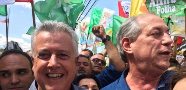 Em ato de campanha em Ceilândia, Ciro Gomes (dir.) faz caminhada ao lado do governador do Distrito Federal, Rodrigo Rollemberg (PSB)