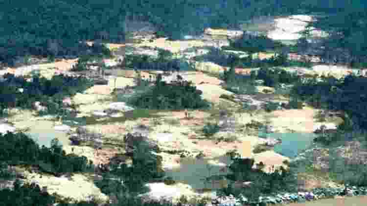 Danos provocados pelo garimpo ilegal na região do rio Uraricoera, na Terra Indígena Yanomami - Funai - Funai