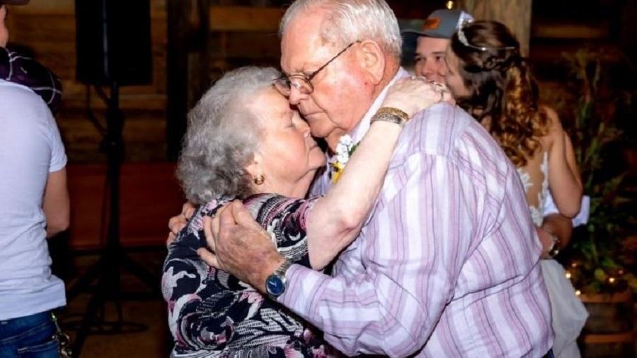 Doris e Sherwood foram hospitalizados com a covid-19 e, após pedido do homem, permaneceram juntos ate o fim de suas vidas - Arquivo pessoal