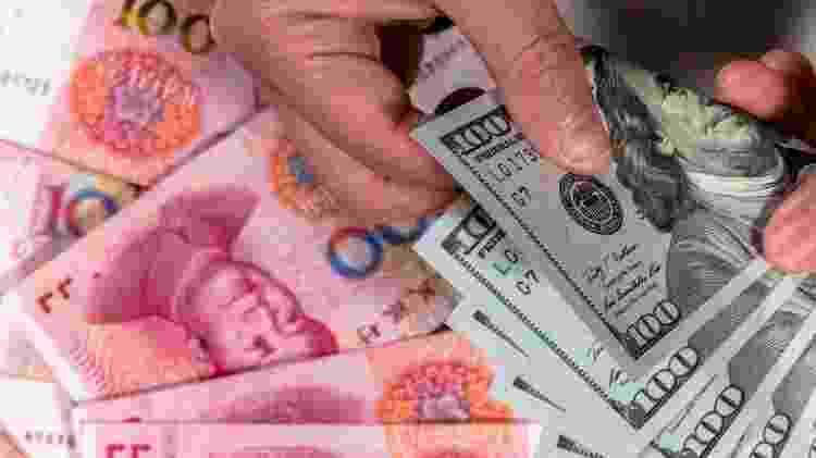O hawala permite trocar moedas e enviar fundos 'sem movimentar o dinheiro' - Getty Images - Getty Images