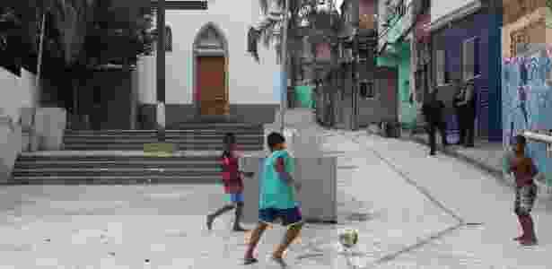 Torneio conta com 35 times, de 36 comunidades do Rio de Janeiro - Fernando Maia/UOL