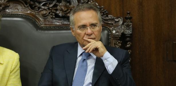 O presidente do Senado, Renan Calheiros (PMDB-AL), enm seu gabinete