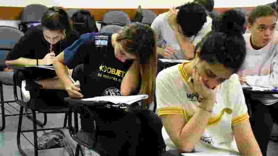 25.nov.2018 - Candidatos fazem a prova da Fuvest, na Universidade de São Paulo (USP), em São Paulo (SP) - Ronaldo Silva/Futura Press/Estadão Conteúdo