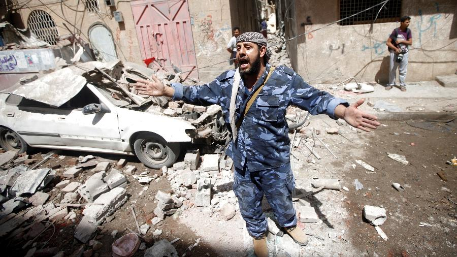 Resultado de imagem para Coalizão liderada pela Arábia Saudita faz ataques aéreos no Iêmen