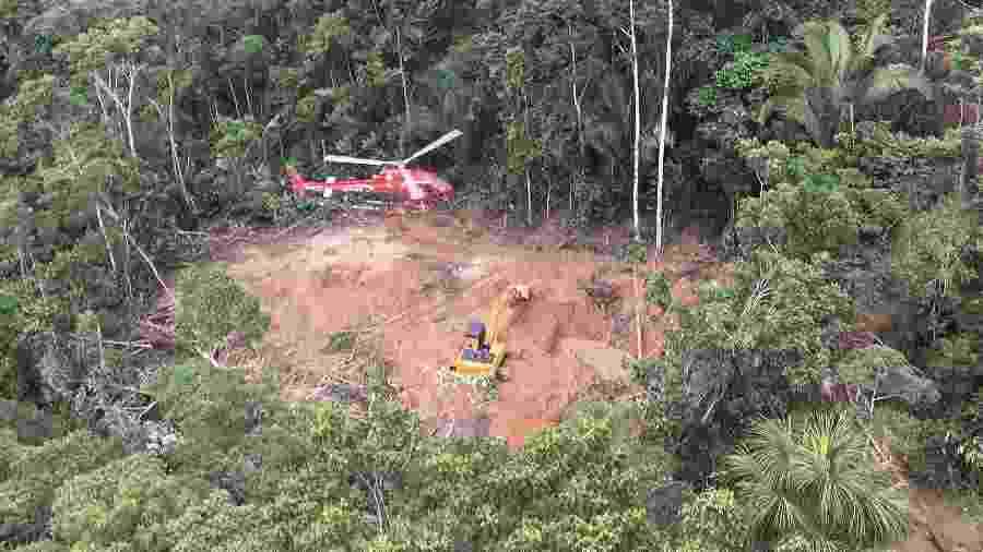 Helicóptero do Ibama localiza garimpo dentro de terra indígena Parque do Aripuanã, entre Rondônia e Mato Grosso - Fabiano Maissonave/Folhapress