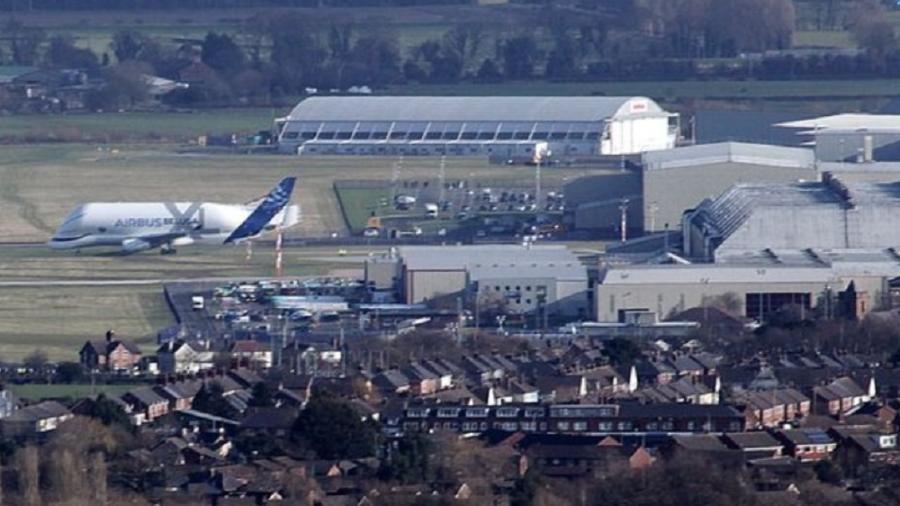 Aeroporto na Alemanha é fechado após descoberta de bomba da Segunda Guerra Mundial - Reprodução/Mirror.co.uk