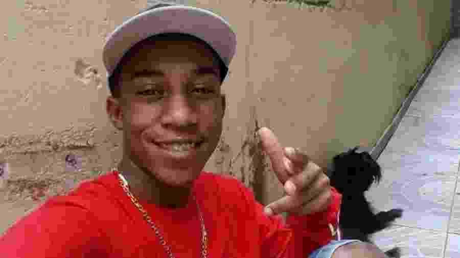 Carlos Eduardo dos Santos Nascimento, 20, desaparecido após abordagem feita por policiais militares em Jundiaí (SP) - Arquivo pessoal