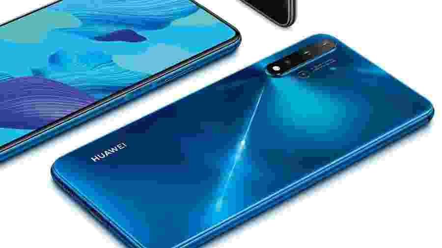 Huawei nova 5T possui cinco câmeras com inteligência artificial - Reprodução/Huawei Brasil