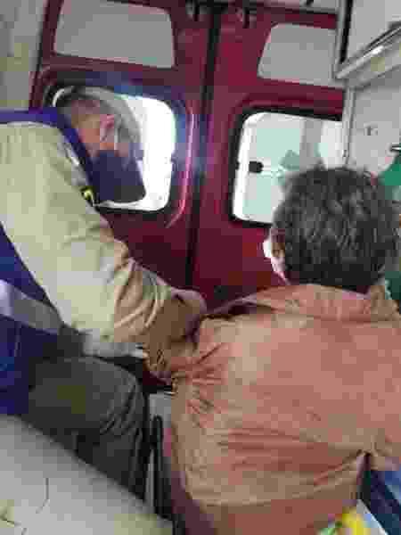 Mulher precisou de atendimento médico após ser resgatada de cárcere privado no Paraná - Divulgação/Polícia Civil