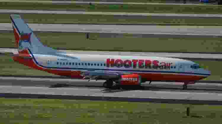 hooters avião - Wikimedia - Wikimedia