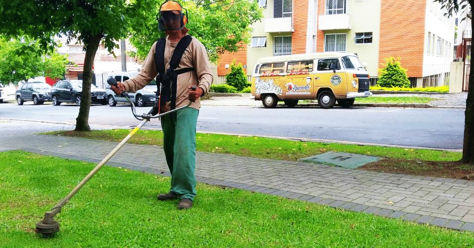 Franquia Aquarela Jardim. Rede especializada no serviço de jardinagem