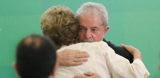Lula e Dilma durante cerimônia no Palácio do Planalto no último 17 de março