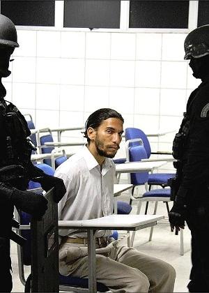 Homem identificado como Frank Oliveira da Costa se entregou após ameaçar explodir a Unijorge em Salvador, no último dia 24