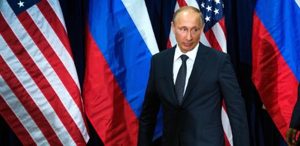 Governo russo é acusado de invadir a rede democrata e roubar informaçôes